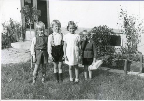 Norske barn i familieforlegningen i Rättvik i Dalarna. Arkivreferanse: RA/PA-1209 NTBs krigsarkiv, Uc, 68, 4, S 354.