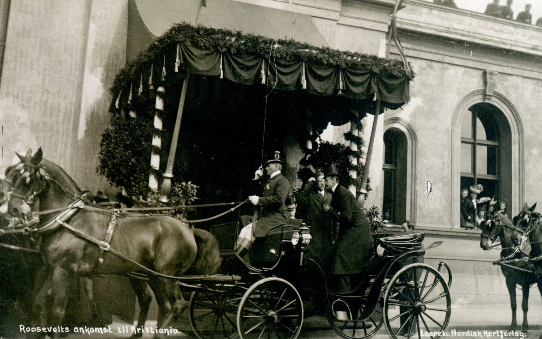 Theodore Roosevelts ankomst til Kristiania 4. mai 1910. Arkivreferanse: PA-0226, U, 5, 161.