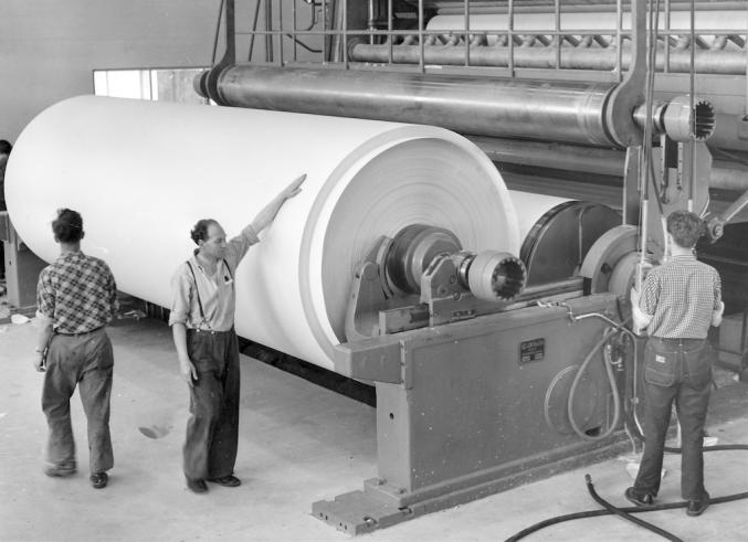 """Glitt og tambur"": Riksarkivet (Pa 1422 Union Co., Uc 0009, PMG Skotfoss, 1950-tallet)."